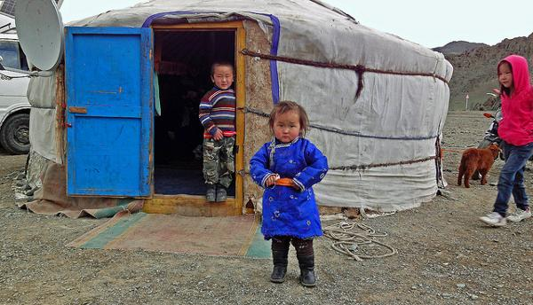 Kids from the Mongolian steppes